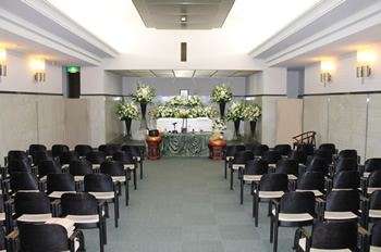 ファミリーホール港南台、南部斎場家族葬プラン・式場風景