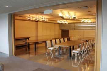 ファミリーホール港南台、西寺尾会堂1日家族葬プラン・ご親族控室